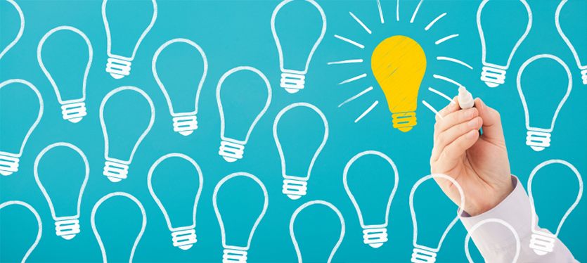 Lightbulb outlines with one yellow bulb coloured in for create awesome online courses